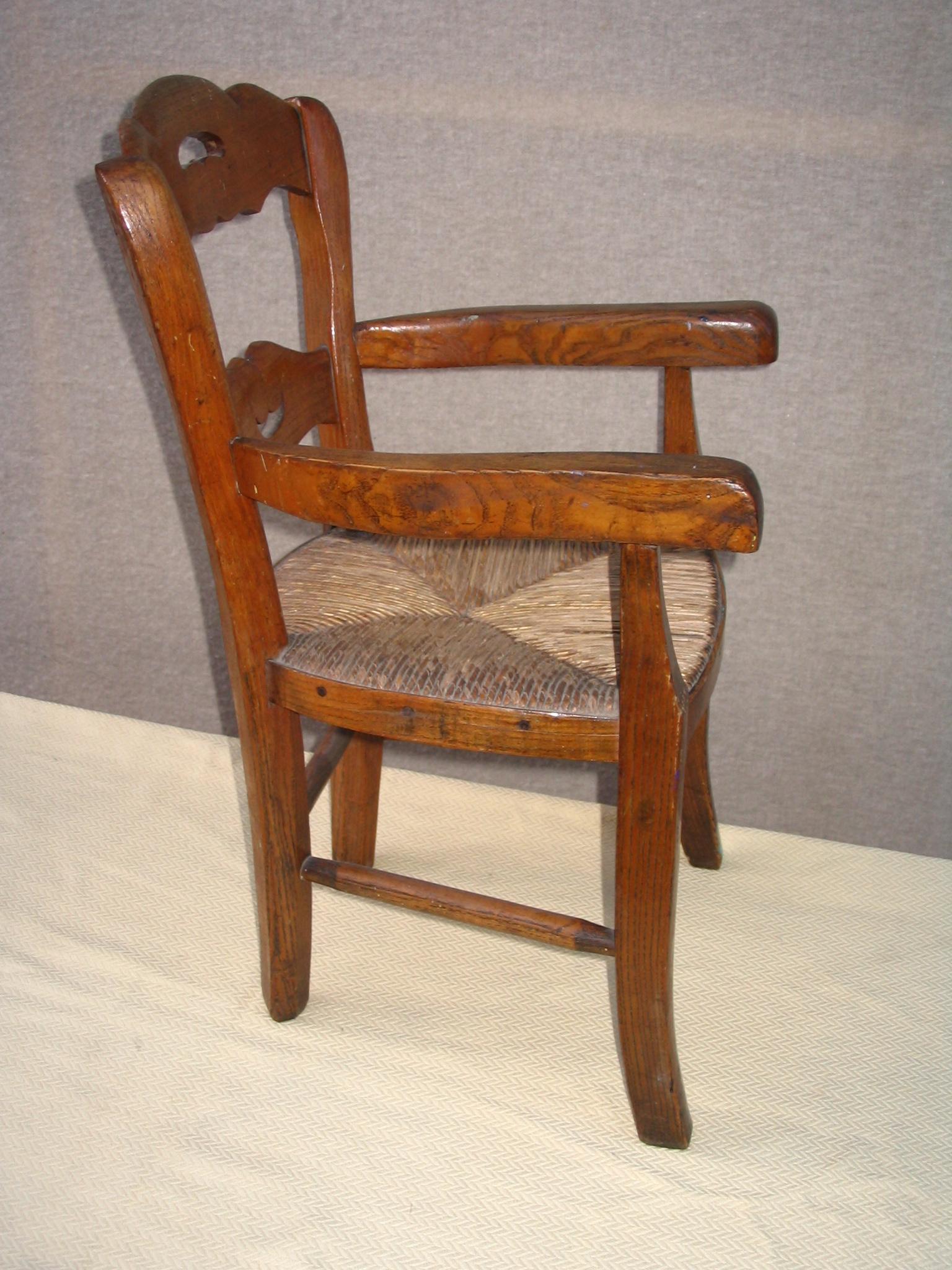 Chaise En Bois Ancienne : Dans Tables et Chaises par antiquites.belbezier le 1 octobre 2010